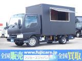 タイタンダッシュ  移動販売車 キッチンカー フードトラック