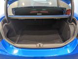 セダンタイプとしては標準的なトランク。後席真ん中がトランクスルーのため、長物も積めます!