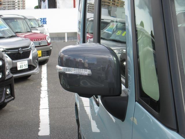 ●パークディスタンスコントロール『前後バンパーに埋め込まれたセンサーにより障害物を検知、ドライバーに警告音で注意を促す安全運転支援機能です。』