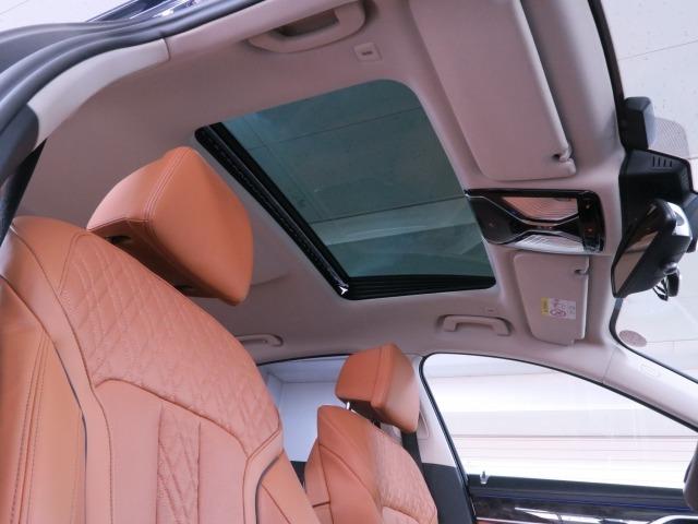 『HID』&『フォグランプ』装備☆!!夜間や雨天時!視界をクリアにしてくれるので安全に安心してドライブを楽しんで頂けますよ!!