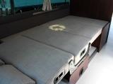 フロントフロアベッド寸法は、縦205×横102センチです♪