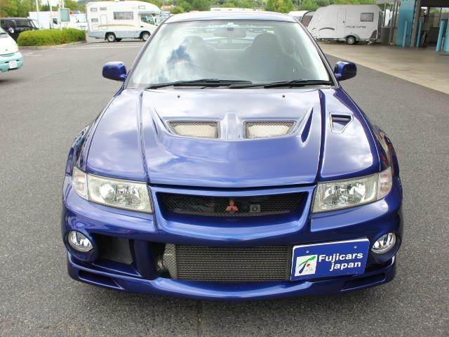 関西大型キャンピングカー専門店で専門スタッフがカーライフをサポートします!まずはお気軽に