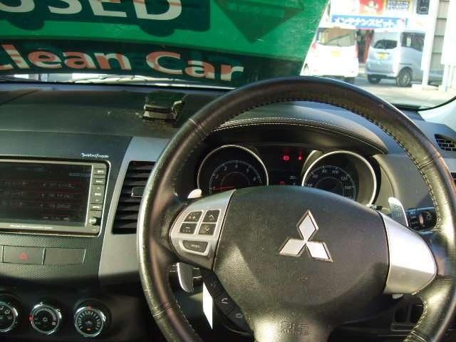 広さ、燃費、走り、使いやすさのバランスが高次元でとれているお車です